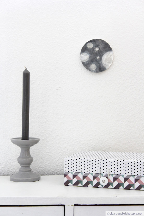 monds chtig wanddeko mit acrylfarbe dekotopia. Black Bedroom Furniture Sets. Home Design Ideas