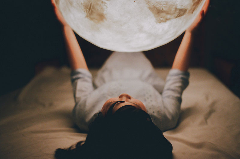 lantern-looks-like-the-moon-luna-by-acorn-studio-5