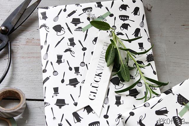 Geschenkverpackung mit Kräutern