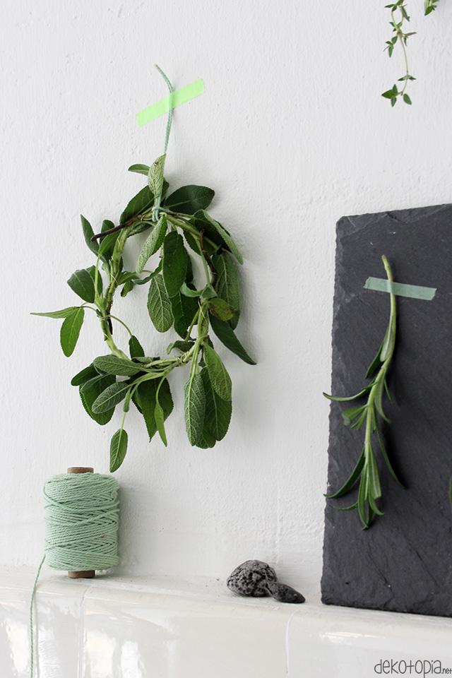 Kräuter trocknen als Deko für die Küche / DIY Kräuterkranz