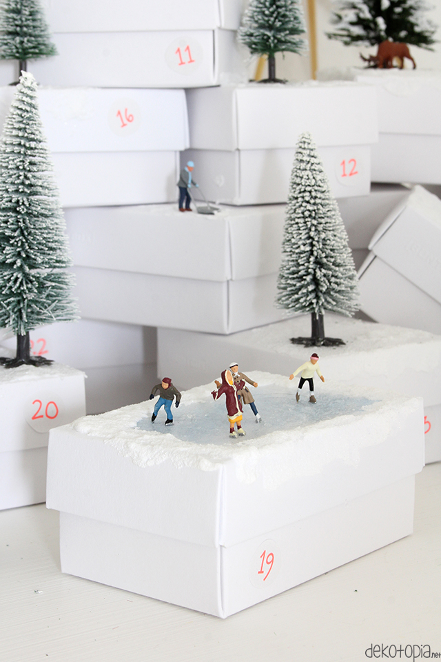 Adventskalender mit Modellfiguren