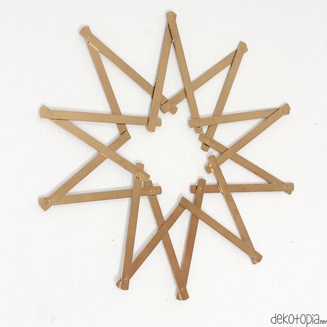 DIY Anleitung: Weihnachtsstern aus Zollstöcken