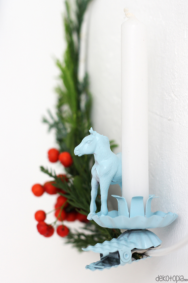 DIY-Anleitung: skandinavischer Kranz mit Pferde-Kerze als Weihnachtsdeko