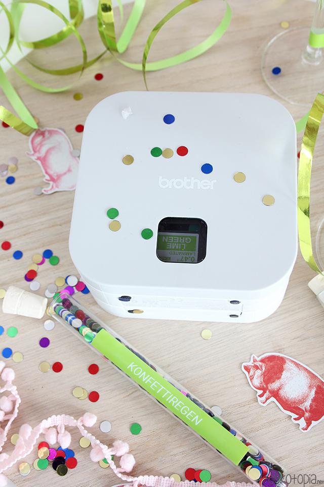 Silvesterdeko mit dem P-Touch Cube