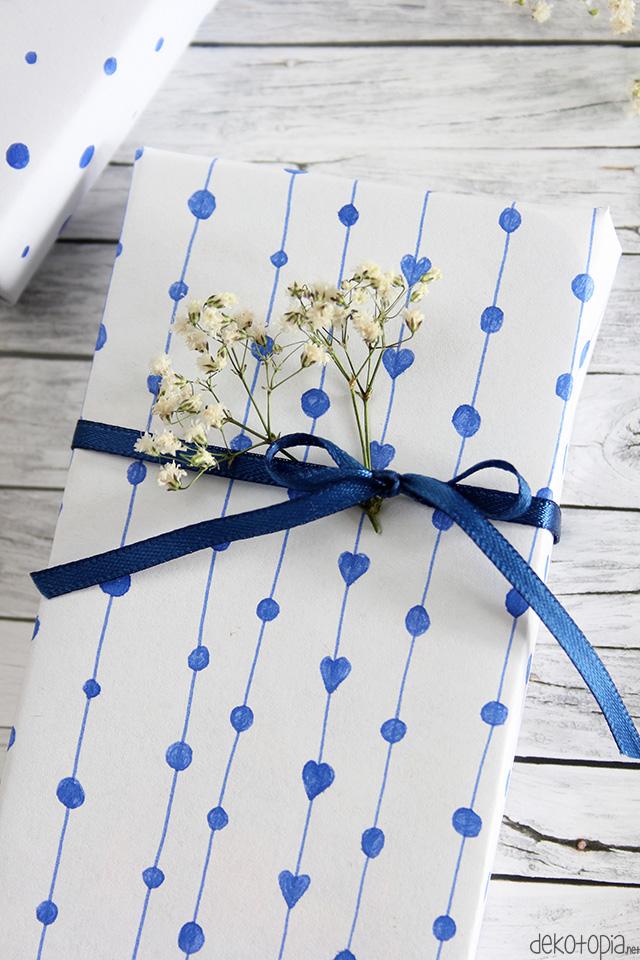 DIY Anleitung: Geschenkpapier gestalten mt Füller