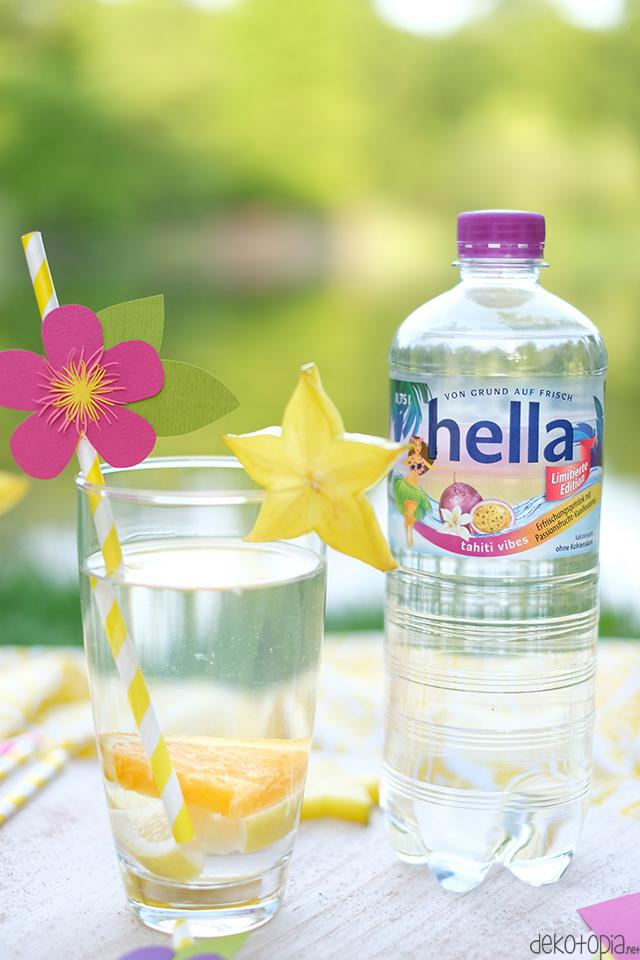 DIY Anleitung: tropische Trinkhalmtopper mit Papierblüte selber machen