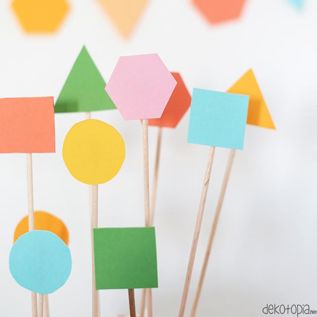 DIY Anleitung: Cake Topper aus buntem Papier