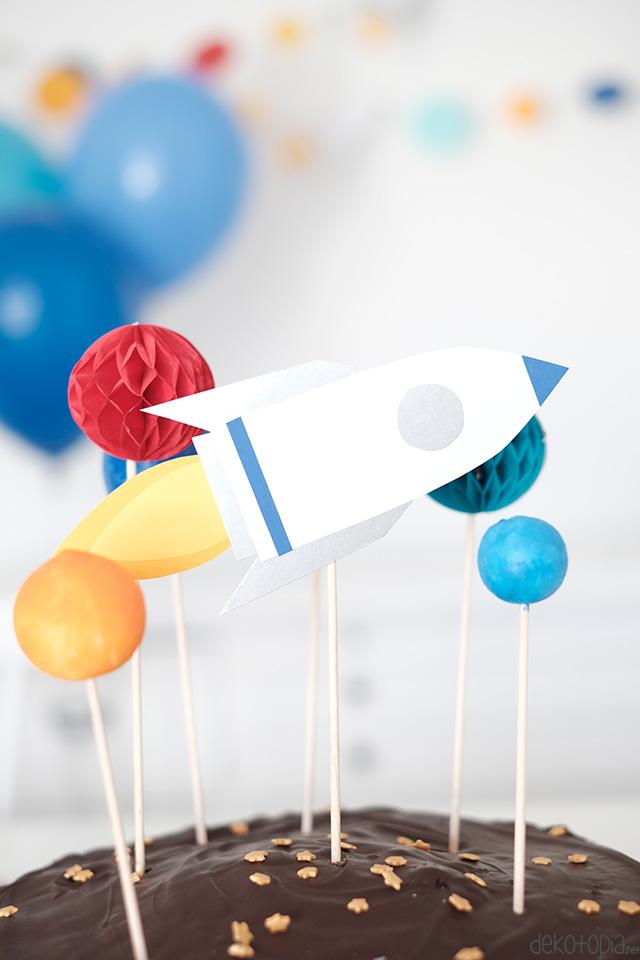 Weltraum Kindergeburtstag: Raketen Caketopper selber machen